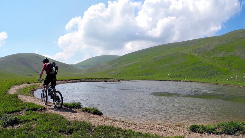 percorsi mountain bike marche